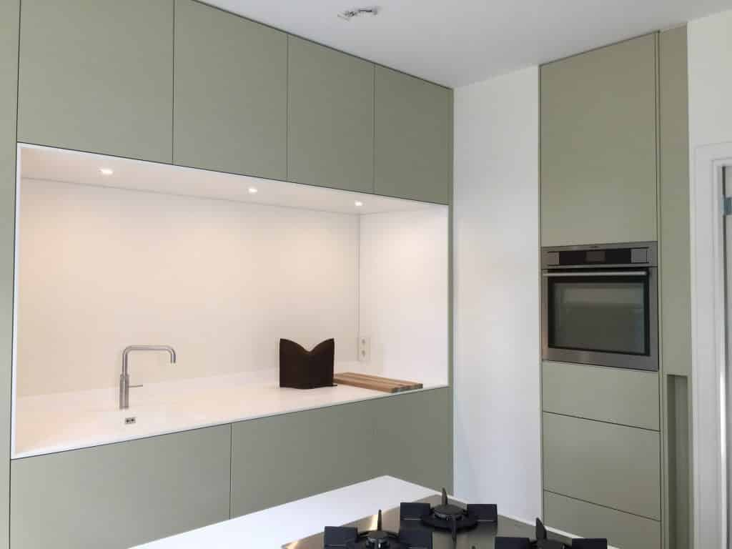 Moderne keuken op kleur design keuken - Moderne keuken kleur ...